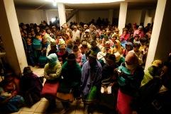 QUITO (17-03-10).- Una vista de varios indí'genas reunidos, durante la administraci—ón de Justicia Ind'ígena a Joaqu'n Aules, acusado de robar 10 borregos, en la Comunidad de Cochapamba, en Cayambe. Alfredo Cárdenas.