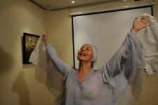 QUITO (11-02-2011).- Susana Reyes, bailarina, core—grafa y maestra de danza, durante una presentaci—n de la obra El Holocausto, en la Casa Cultural Trude Sojka, en el barrio La Floresta. Alfredo Cardenas.
