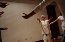 QUITO (17-02-2011).- Susana Reyes, bailarina, core—grafa y maestra de danza, durante una ensayo con sus alumnas en la Casa de la Danza, en San Marcos. Alfredo Cardenas.