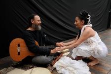 QUITO (12-02-2011).- Susana Reyes, bailarina, core—grafa y maestra de danza, junto a su esposo Moti Deren, al final de un ensayo para el festival internacional de la Danza, en la Casa de la Danza, en San Marcos. Alfredo Cardenas.