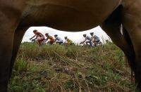 MACHALA, El Oro (07-08-06).- Una vista de los pedalistas durante la XXVII Vuelta a la República de Ciclismo, en la quinta etapa: Babahoyo-Machala. Alfredo Cárdenas.
