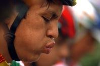 BABAHOYO, Los Rios (08-08-06).- Roberto Quistial, ciclista de la provincia del Carchi, categoría Junior, durante la competencia en la XXVII Vuelta a la República de ciclismo, en la etapa Naranjal Babahoyo. Alfredo Cárdenas.