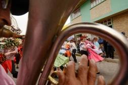 USO EXCLUSIVO DE DOMINGO. QUITO (02-01-2015).- La Banda de Pueblo 8 de Septiembre alienta a las parejas de l'nea, durante la tradicional Diablada Pillare–a en la cidad de P'llaro, fiesta que empieza el 1 de enero y se extiende hasta el 6 de enero de cada a–o. Secci—n: Domingo Alfredo Cardenas/ EL UNIVERSO