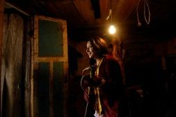PILLARO, Tunguragua (05-01-2010).- Maribel Alvarez, de 17 a–os, de la comunidad de Guanguibana, se prepara para participar en la tradicional Diablada de P'llaro, en len cant—n de P'llaro, en la provicnia de Tungurahua.