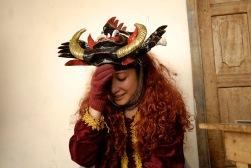 PILLARO, Tunguragua (05-01-10).- Maribel Alvarez de 17 a–os, de la comunidad de Guanguibana, en el descanzo, durante la tradicional diablada de P'llaro. Alfredo Cardenas/ EL UNIVERSO
