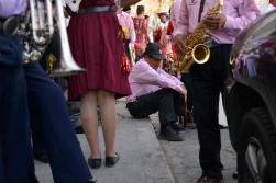PêLLARO, Tungurahua (05-01-2016).- Santos Moreta, encargado de los platillos de la Banda 8 de Septiembre, luce cansado durante la tradicional Diablada de P'llaro, en la casa del prioste, en la comunidad de Huanguibana, en el cant—n P'llaro de la provincia de Tungurahua. Alfredo Cardenas/ EL UNIVERSO